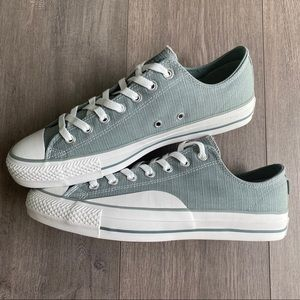 Converse Shoes - NWT Converse Chuck Taylor All Star Mens Shoes
